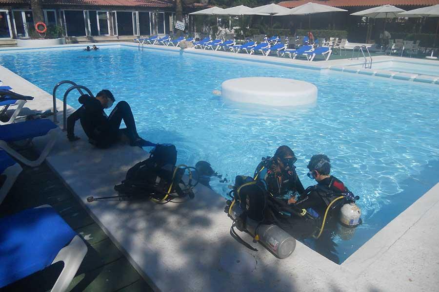 PADI practicas en Menorca, PADI courses in Menorca