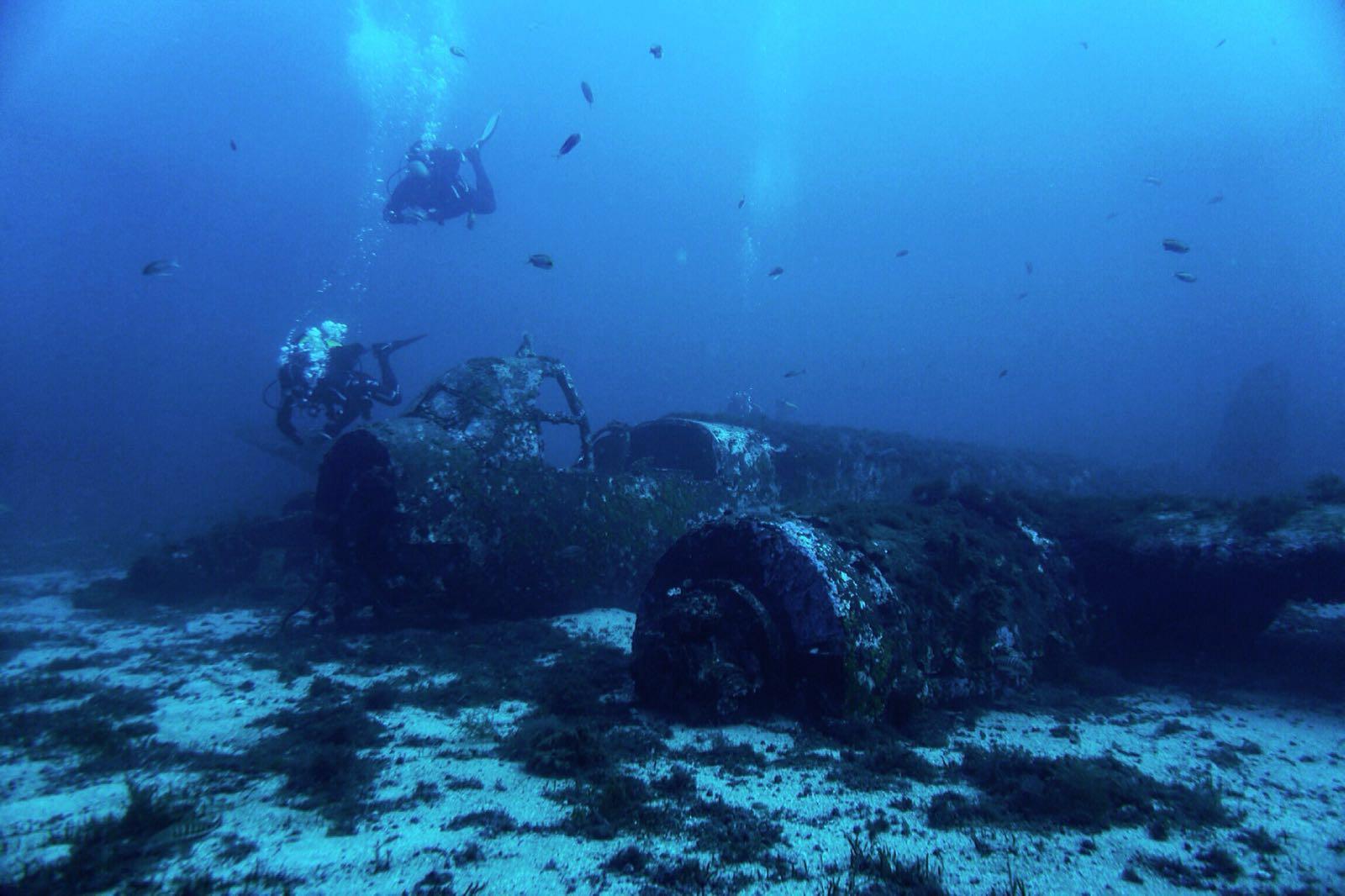 inmersión avión sumergido, Menorca, Immersion submerged plane, Menorca